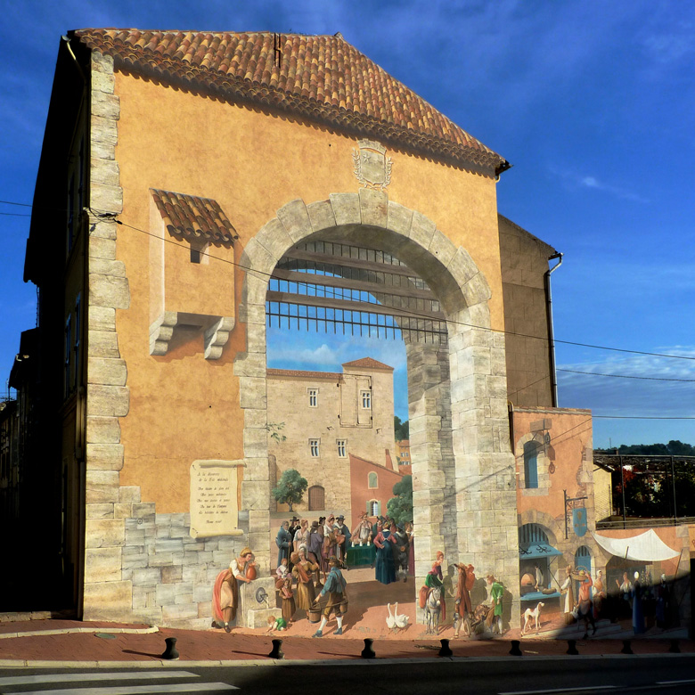 Mural welcoming you to Carcès, <br>photo by Stacy Silverwood